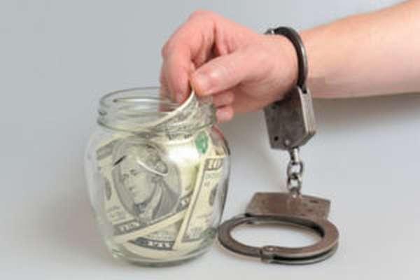 Могут ли посадить человека в тюрьму за долги по кредитам?