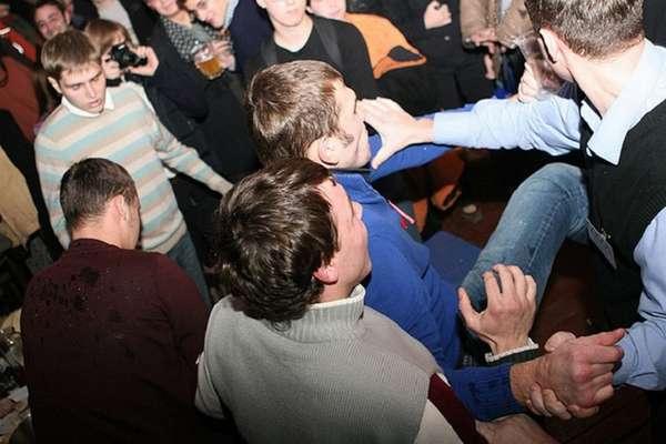 Драка в клубе