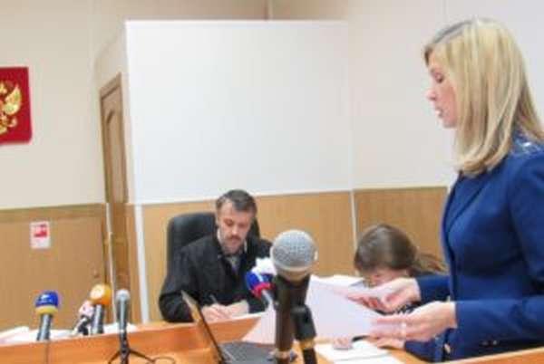 Может ли следователь или прокурор закрыть дело до суда?
