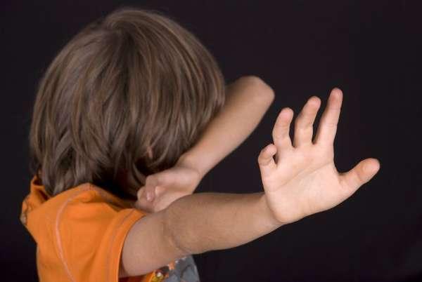 избиение несовершеннолетнего ребенка